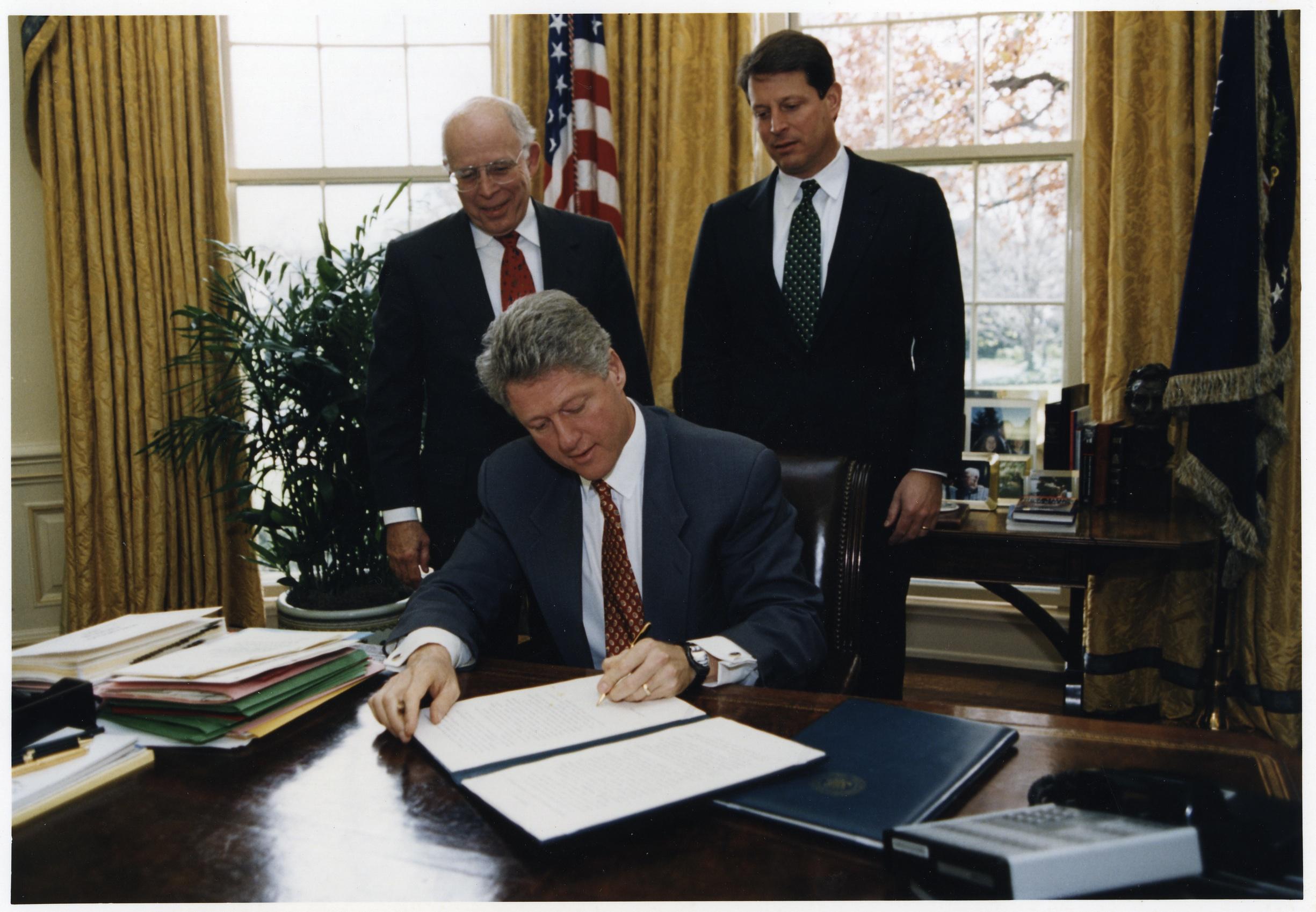 Gibbons y Clinton 2
