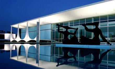 Presidente de Brasil abandona residencia presidencial por fantasmas
