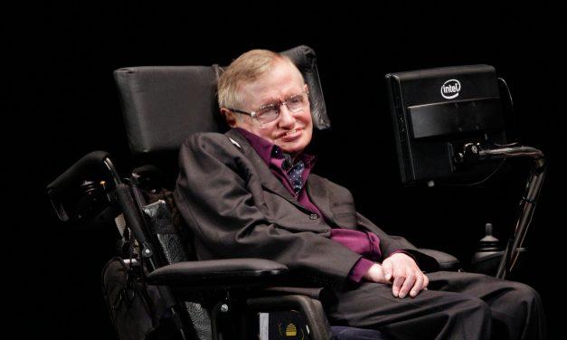 Acusan de absurdo a Stephen Hawking