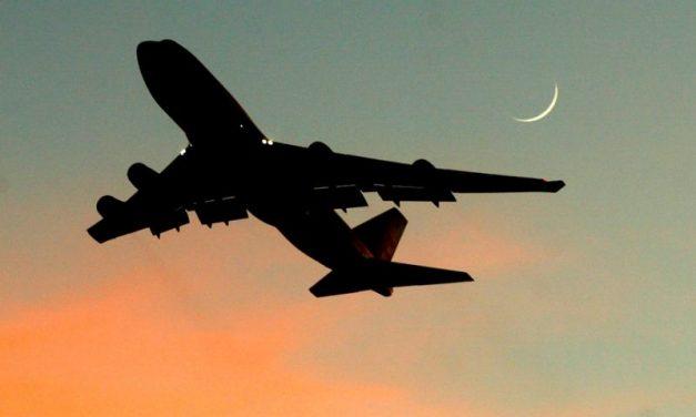 Niño viajó de Nigeria a Londres en el tren de Aterrizaje de un Avión