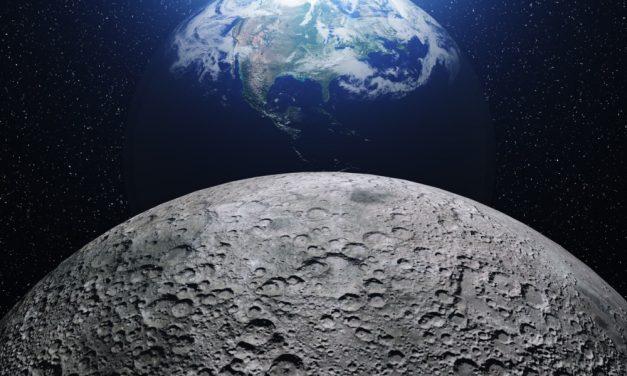 Científicos descubren abundante agua en la Luna