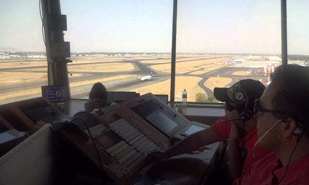 Ufólogos podrán escuchar la comunicación entre los pilotos y Torre de Control