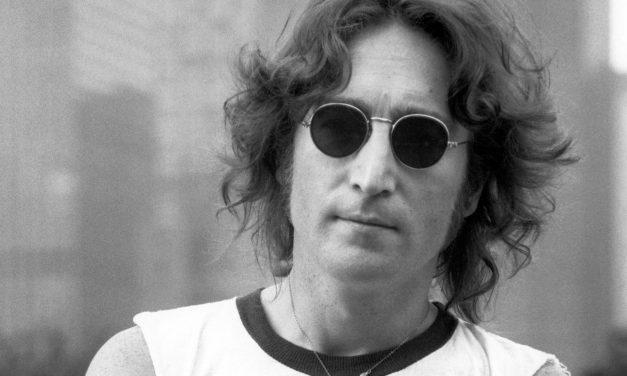 Encuentran los diarios robados de John Lennon