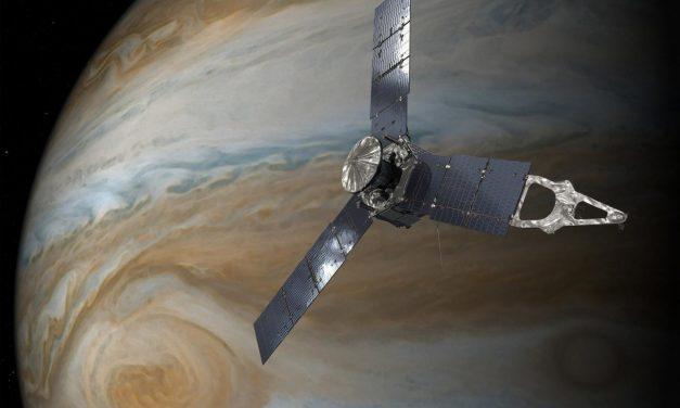 La sonda Juno reveló misteriosas Tormentas en los Polos de Júpiter
