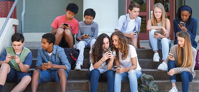 Resultado de imagen para adolescentes smartphone